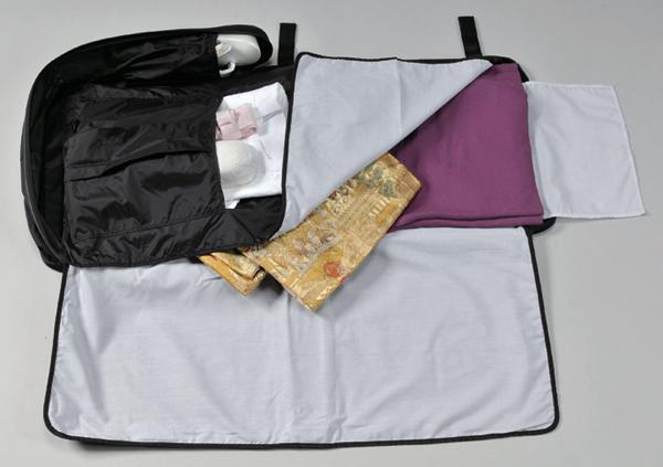 装いの道の美容きものバッグです。